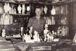 'Garbage joint' (souvineer stand)...1930's ..unknown agent..jpg