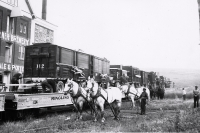 Unloading the flats. Ringling Brothers..1935.JPG