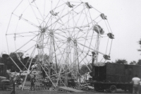 Twin Wheel set up on the Coleman Bros. Shows..1950's.JPG