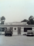 P&E bar in Gibsonton  1950's.jpg
