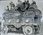 Gollmar and Patterson band wagon....1915.jpg