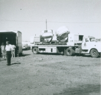 West Coast Shows searchlight truck..1960's.JPG