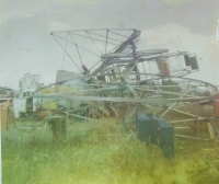 The end of the Velare Bros. Sky wheel. Klamath Falls 1970.jpg