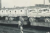 Terrel Jackobs cat wagons on the Hagenbeck Wallace..1934.JPG