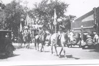 Street parade ..101 Wild West Shows...1920's.JPG
