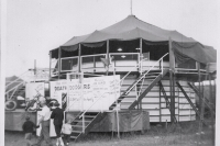 Strates Shows Motor Drome..1961.JPG