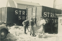 Strates Shows 1947.JPG