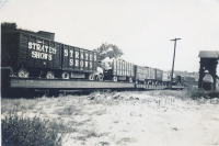 Strates Shows flats enroute 1953.JPG