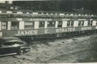 Strates coaches...1953.jpg