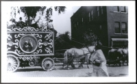 Sparks Circus Horse Tableau Clown Wagon .............. 1928.JPG