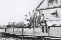 Sparks Circus Train crew 1927.jpg