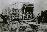 Sig Sautell Tablieu wagon  1900.jpg