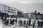 Unloading the Tim McCoy Wild West show    1938.jpg