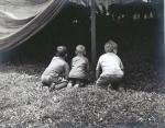 Copping a peek    1940's.jpg