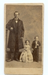'Commodore' Foote and his sister beside a normal man 1885